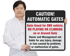 Caution! Automatic Gates Gate