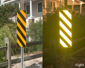 Yellow striped reflector