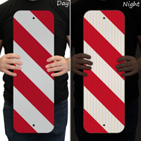 Red striped delineator